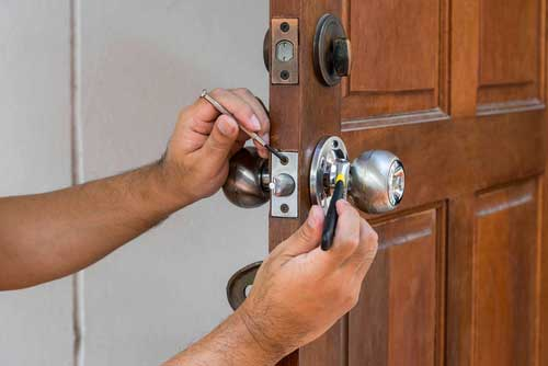 Navco Safe & Lock Co. provides quality, affordable locksmith services for Corsicana, Texas. These Corsicana locksmiths come equiped with the top of the line locksmithing tools which enables them to work on any commercial, residential, industrial, bank or automotive lock.